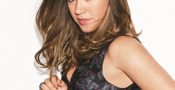 Kelly-Clarkson-Lucky-Magazine-August-2012-3